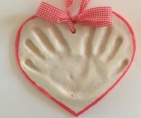 Mains-cœur en pâte à sel
