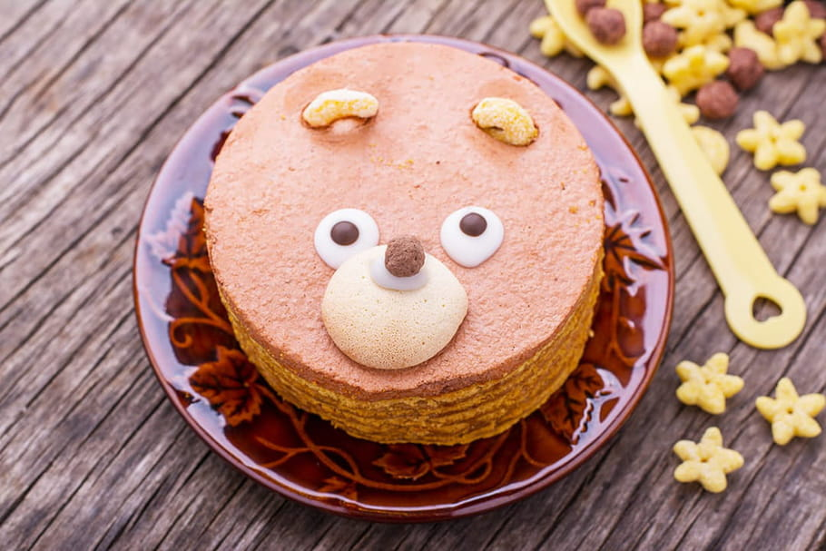 Gâteaux d'anniversaire: les meilleures recettes, faciles à reproduire