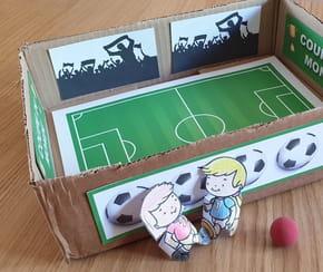 Jeu de foot en carton recyclé