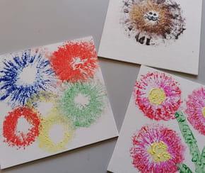 Peinture avec des rouleaux de papier toilette