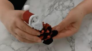Étape 5: Créez les pieds du père Noël