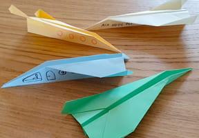 Pliage avion en papier: origami avion en vidéo