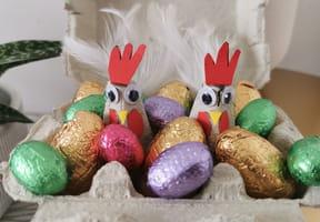 Poules de Pâques en boite à œufs