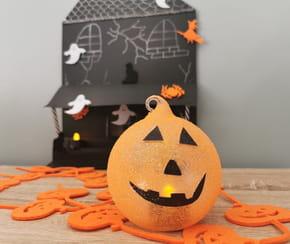 Photophore Halloween: fabriquer une citrouille lumineuse