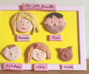 Cadre famille en pâte à sel [VIDEO]