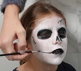 Étape 4: Passez au maquillage de la bouche