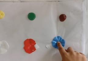 Peinture propre Montessori