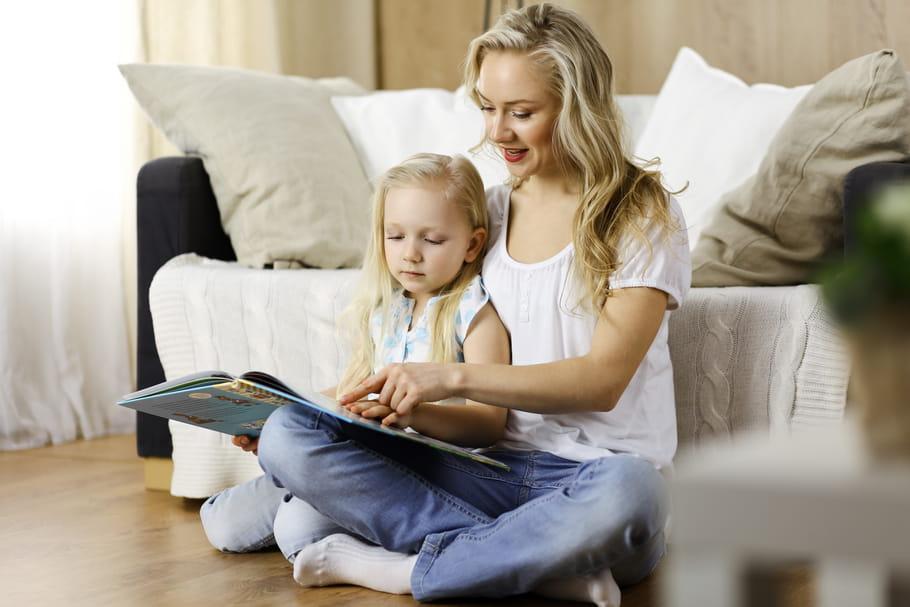 Comment lui apprendre à lire selon son âge?