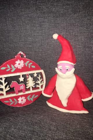 Votre Père Noël en pâte à modeler est terminé!