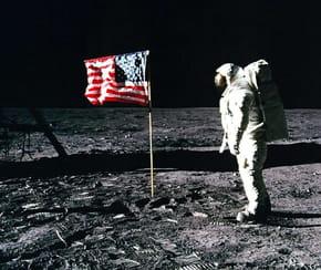 Qui a fait le premier pas sur la lune?