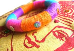 Bracelet TUTTI FRUTTI en laine enroulée
