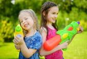 Jeux d'eau: les activités les plus drôles pour se rafraîchir