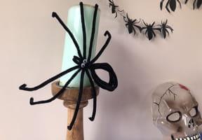 Araignée Halloween en fils chenille [VIDEO]