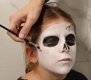 Étape 3: Ajoutez des fêlures sur le visage