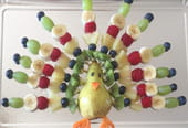 Oiseau en brochettes de fruits [VIDEO]