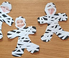 Momies en papier pour Halloween