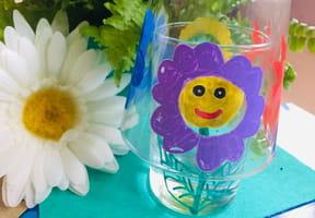 Fleurs en peinture sur verre