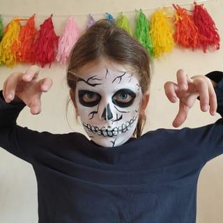 Le tutoriel maquillage de squelette est terminé