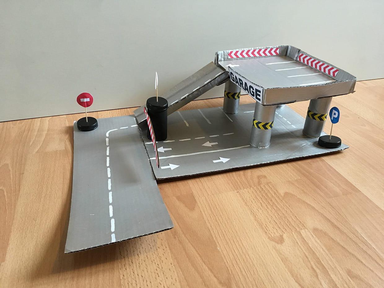 Fabriquer Un Petit Pont De Bois fabriquez un garage en carton