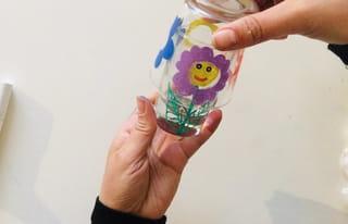 Etape 4: positionner les verres l'un sur l'autre et tourner