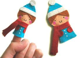 Marionnette de doigts, le petit garçon