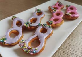 Beignets de Carnaval: des bugnes en forme de masques