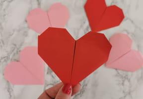 Origami cœur: Un pliage plein d'amour