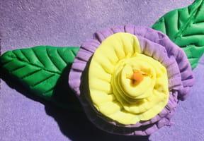 Fleur en pâte à modeler
