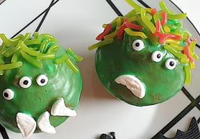 Cupcakes monstres pour Halloween [VIDEO]
