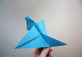 Un oiseau en origami