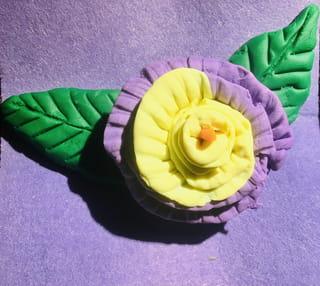 Votre fleur en pâte à modeler est terminée