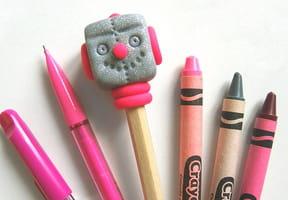 Tête de crayon robot en pâte FIMO