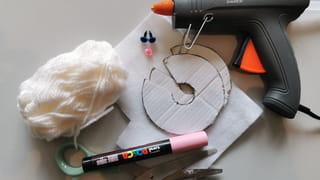 Matériel nécessaire pour fabriquer un lapin pompon