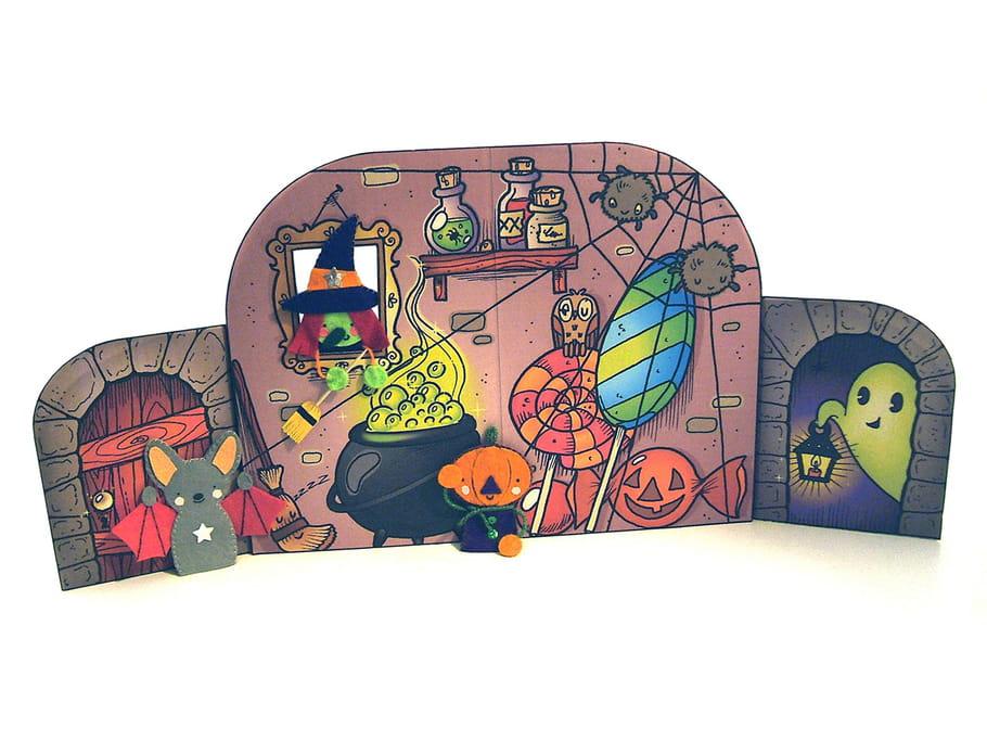 Décor Halloween pour marionnettes de doigts