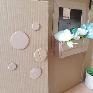 Étape 8: les finitions de la cabane en carton