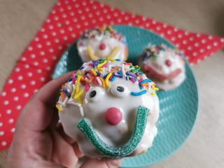 C'est fini, vos cupcakes en forme de clown sont terminés.
