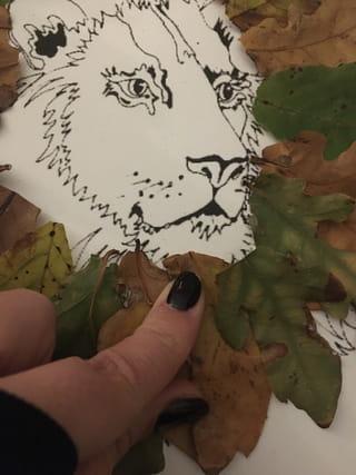 Etape 2: coller les feuilles d'automne