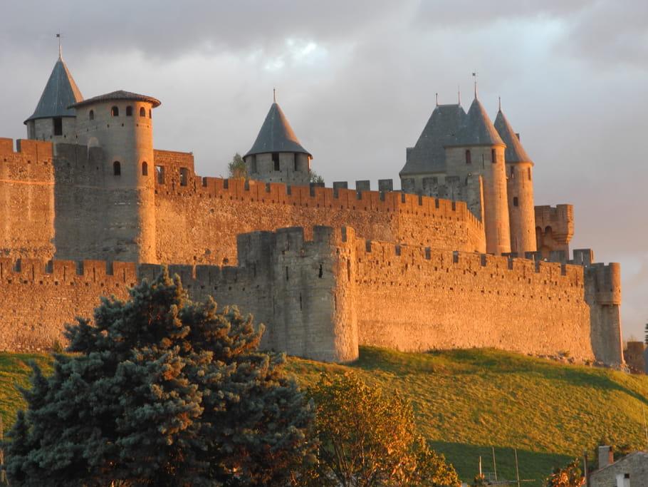 Les châteaux forts au Moyen-Age