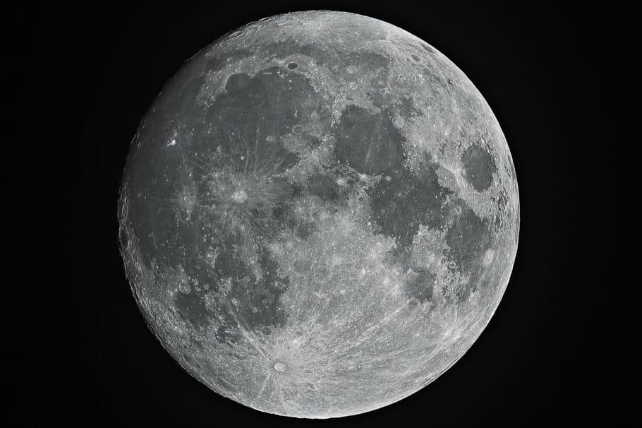 La lune: le satellite naturel de la Terre
