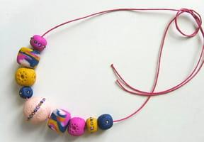 Collier de perles en pâte FIMO
