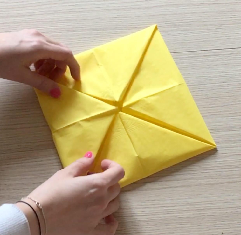 Rond De Serviette A Fabriquer Pour Noel pliage de serviette en forme de fleur
