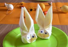 Pliage de serviette en forme de lapin [VIDEO]