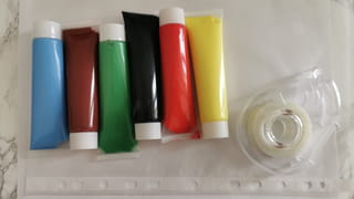 Matériel nécessaire pour la peinture propre Montessori