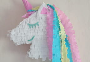 Une piñata licorne [VIDEO]