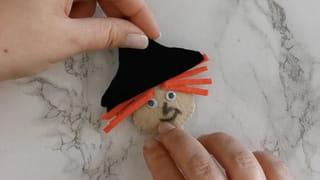 Étape 3: fabriquer le chapeau et les cheveux de la sorcière