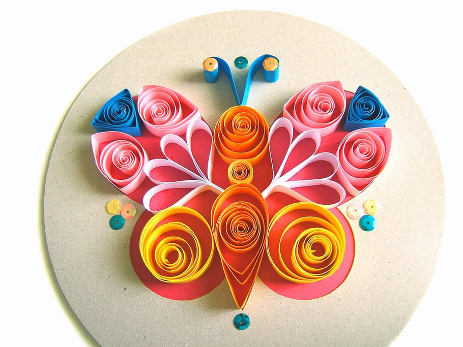 papillon en quilling. Black Bedroom Furniture Sets. Home Design Ideas