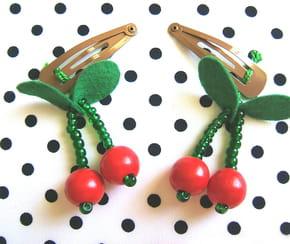 Barrettes CERISES en perles
