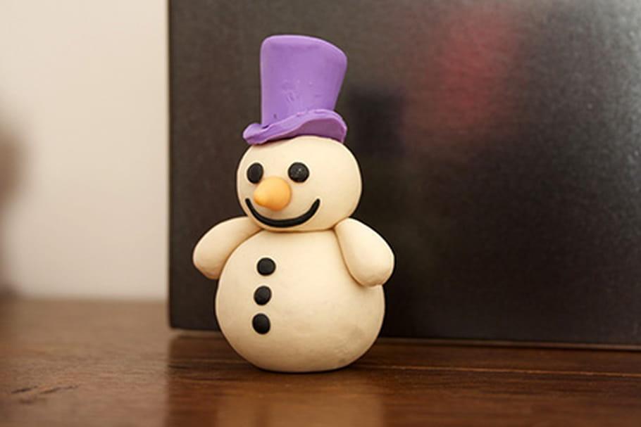 Le bonhomme de neige en pâte à modeler