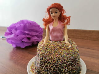 Votre gâteau d'anniversdaire princesse est prêt à être dégusté