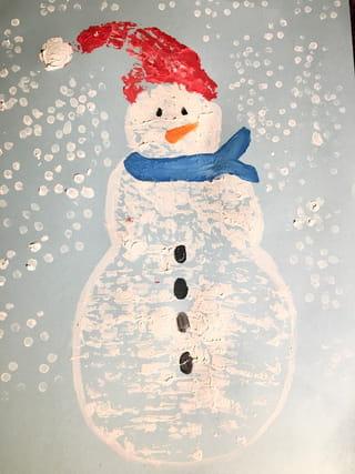 Le bonhomme de neige en papier bulle est terminé!